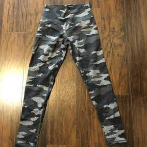 Aerie camo leggings 7/8 length